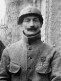 Photo d'Henri Barbusse dans sa tenue de soldat
